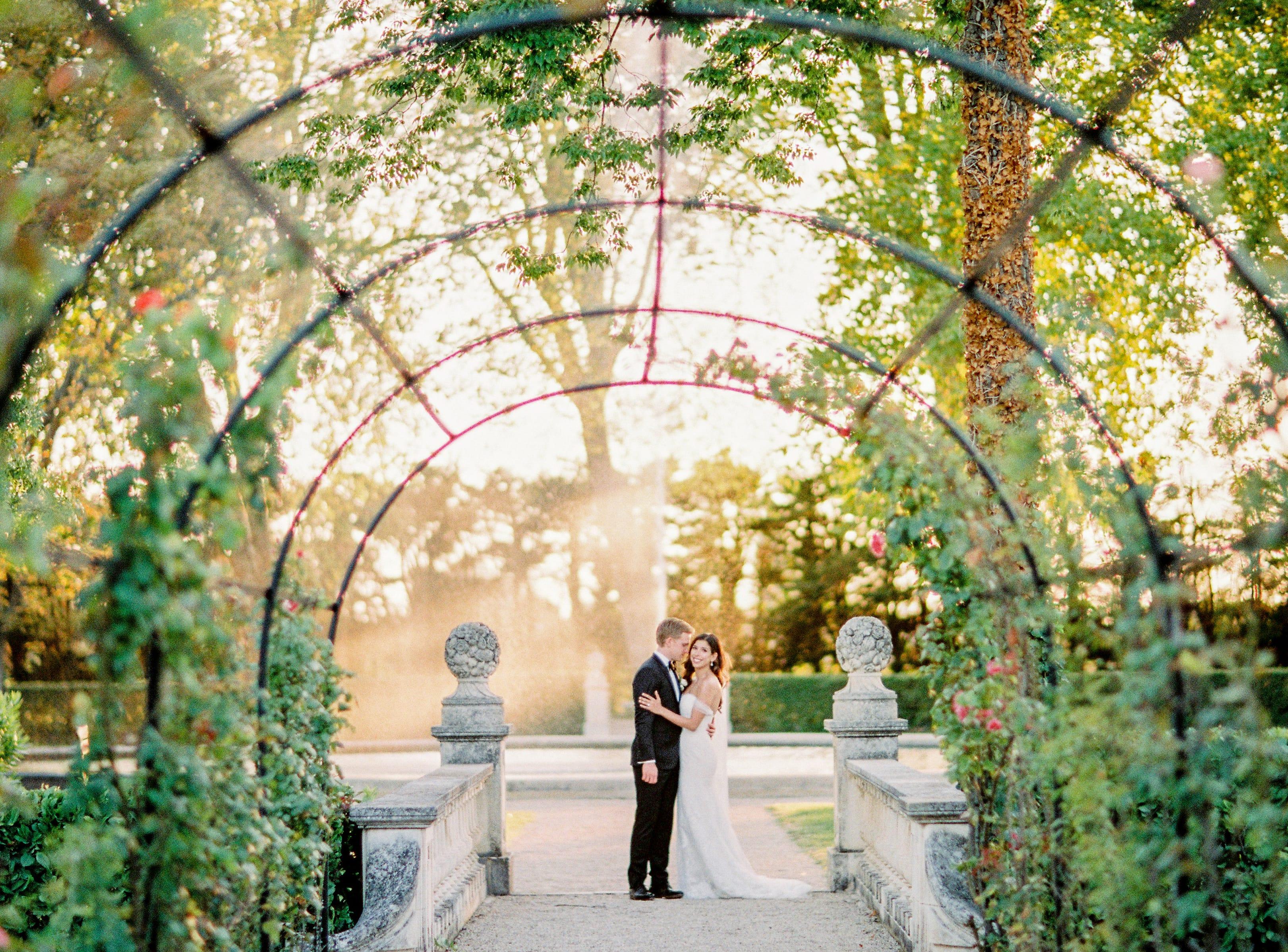 A wedding in Provence, France - Film Photography - Brancoprata