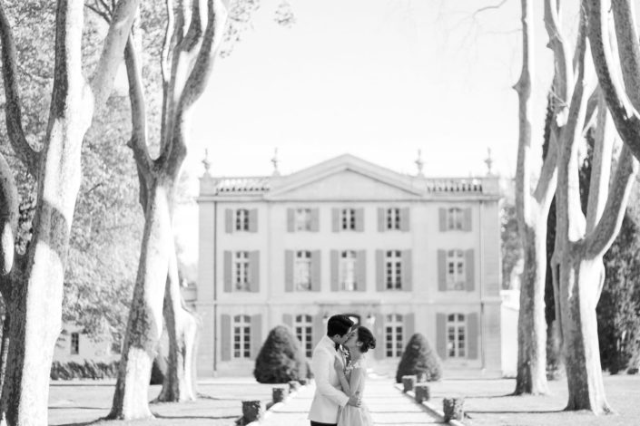 couple's photos at wedding Chateau de Tourreau