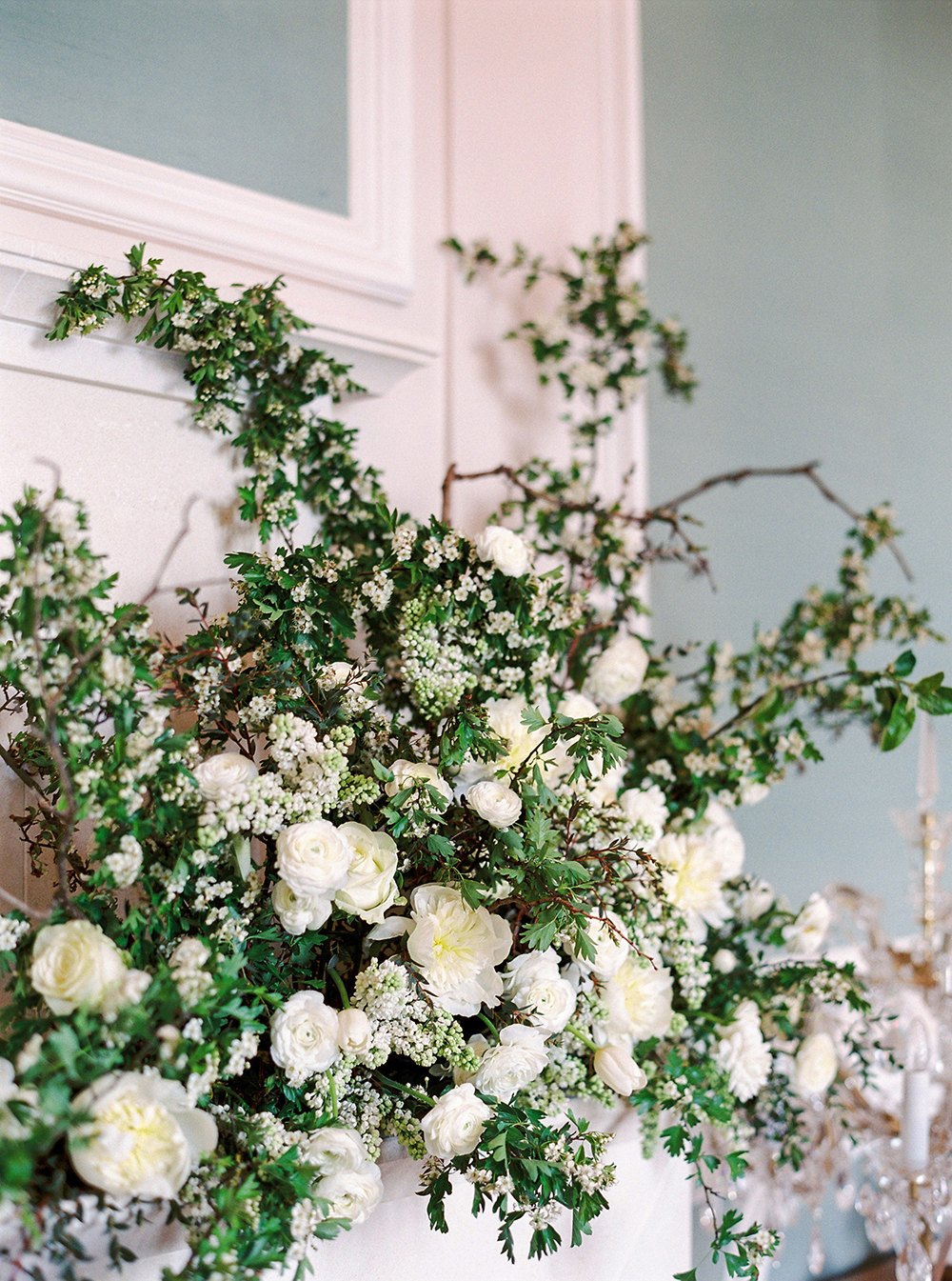 Stunning flowers from a wedding at chateau bouffemont