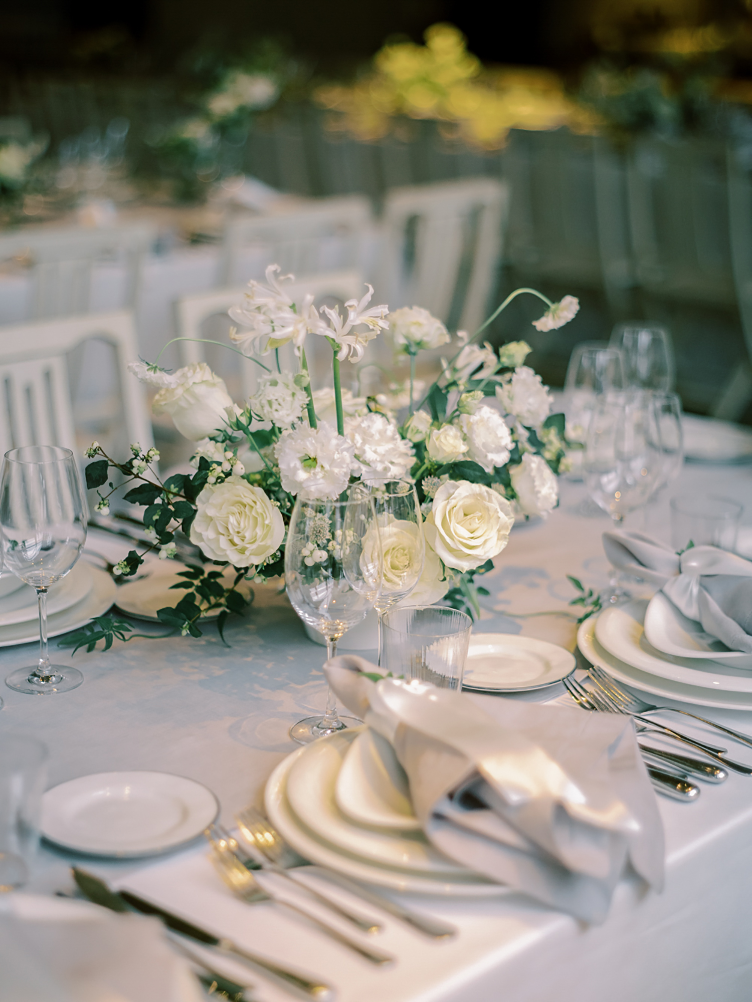 Fall wedding flowers and table decor