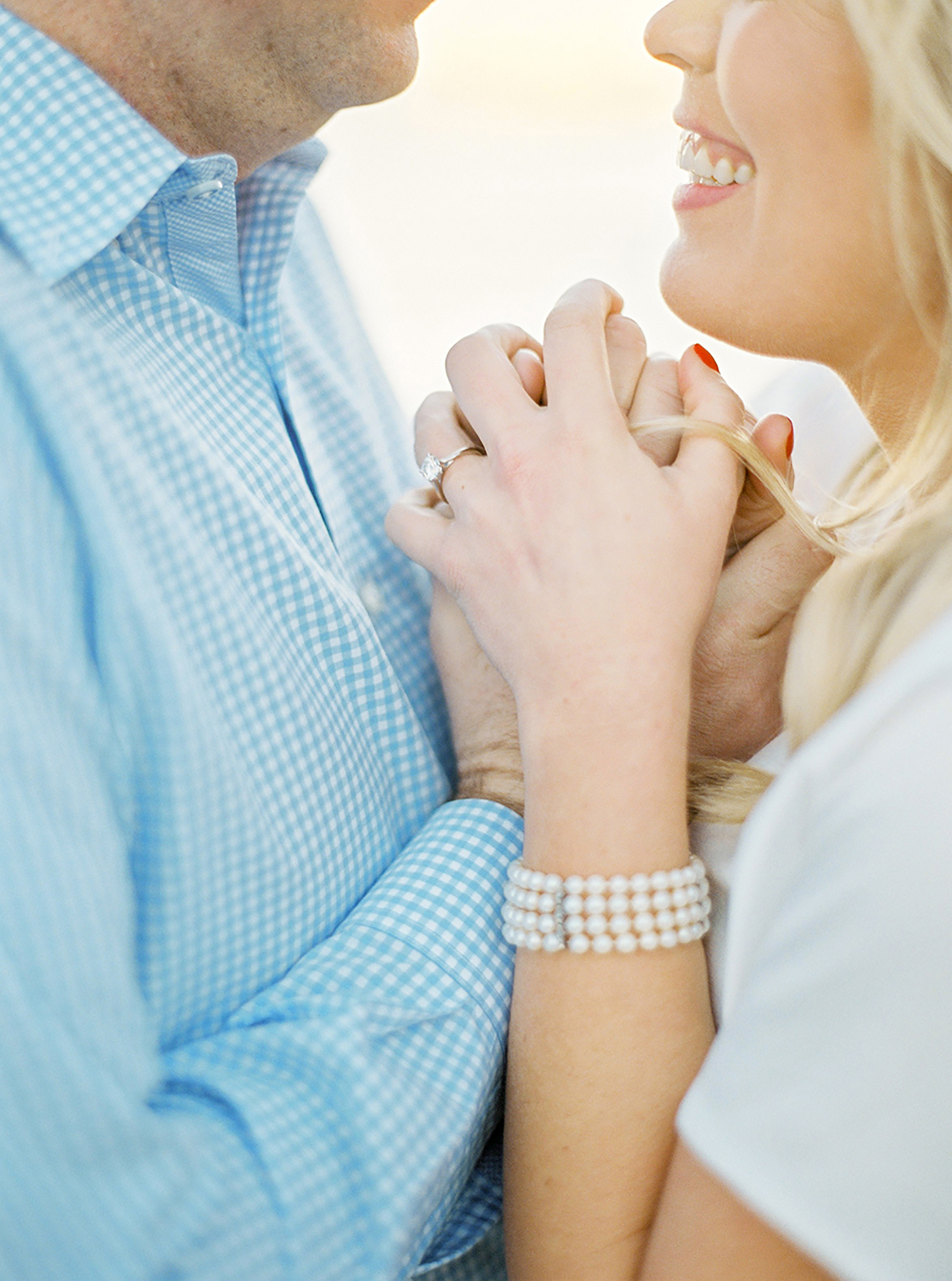 All smiles for this romantic engagement session in Lisbon