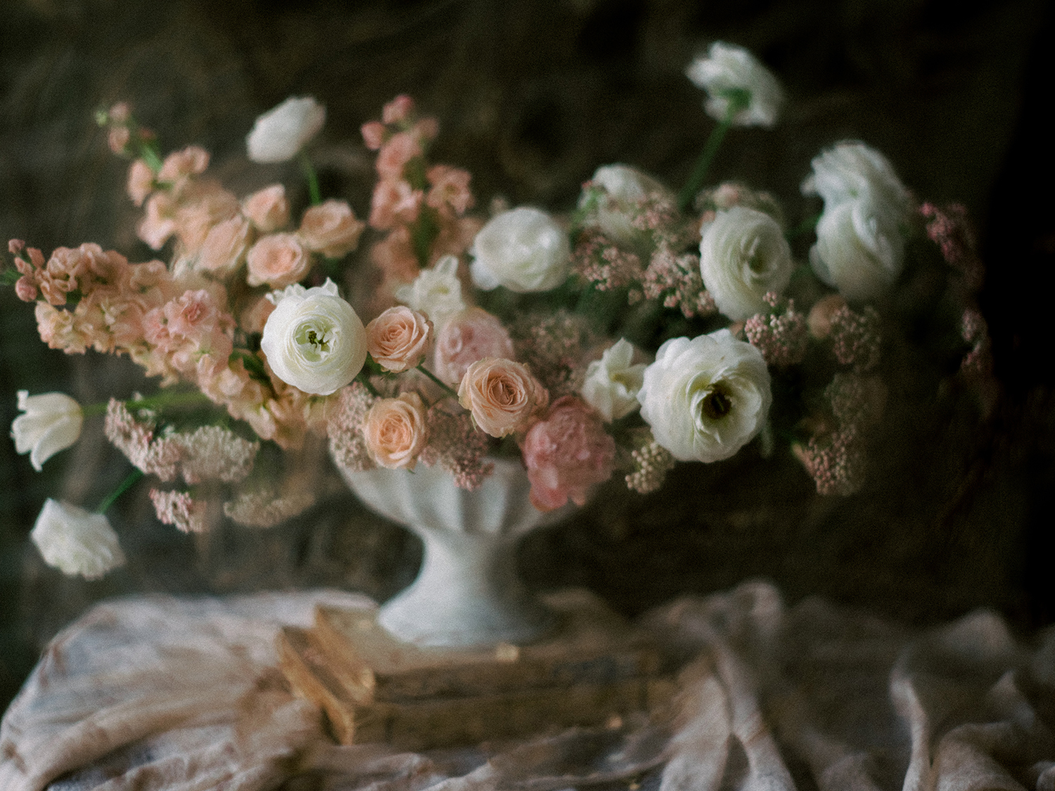 Wedding flowers, inspiration & ideas for your event, a more dramatic approach